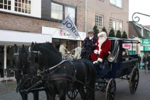 Kersttram paard en wagen