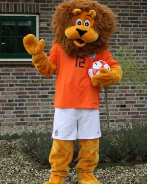 Leeuw mascotte Voetbal